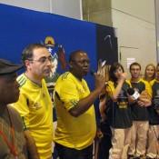 Promoción FIFA con bailarines