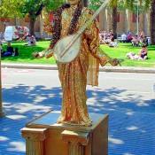 Estatua Humana Sarasvati
