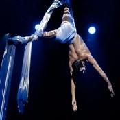 Espectaculo bailarines tela Barcelona