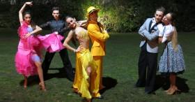 Espectáculo de bailarines