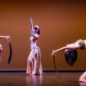 Espectáculo danza oriental con espadas