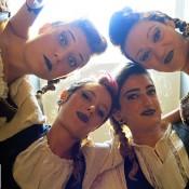Bdance - Bailarinas con telas