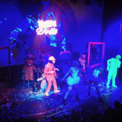 Show animación Fluorescente