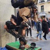 Estatua - Moto caida - Madrid